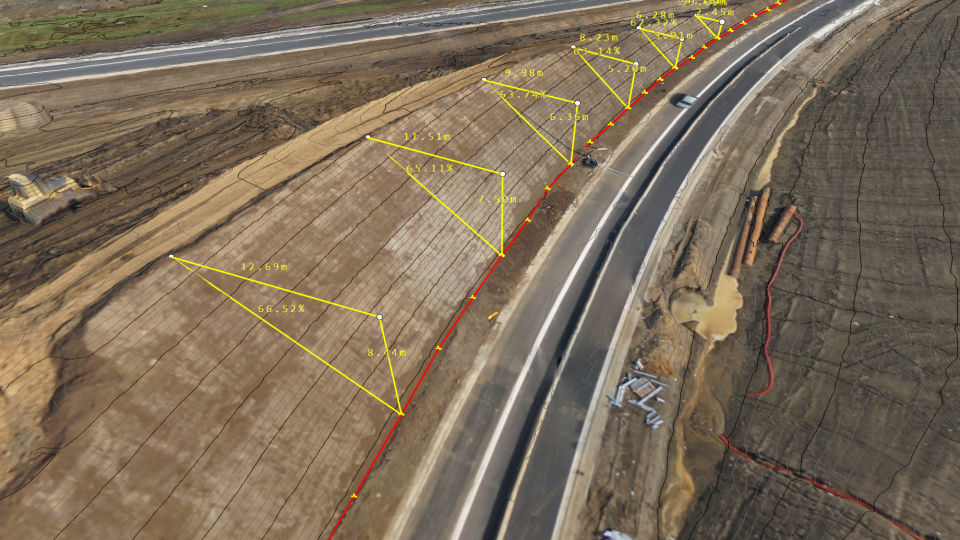 Measuring a slope along a motorway
